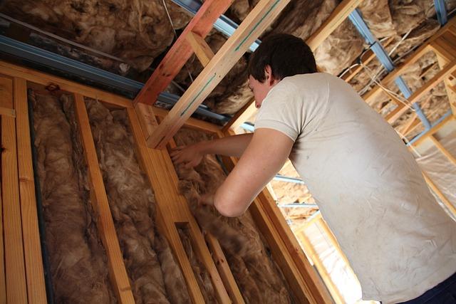 ocieplenie stropu drewnianego